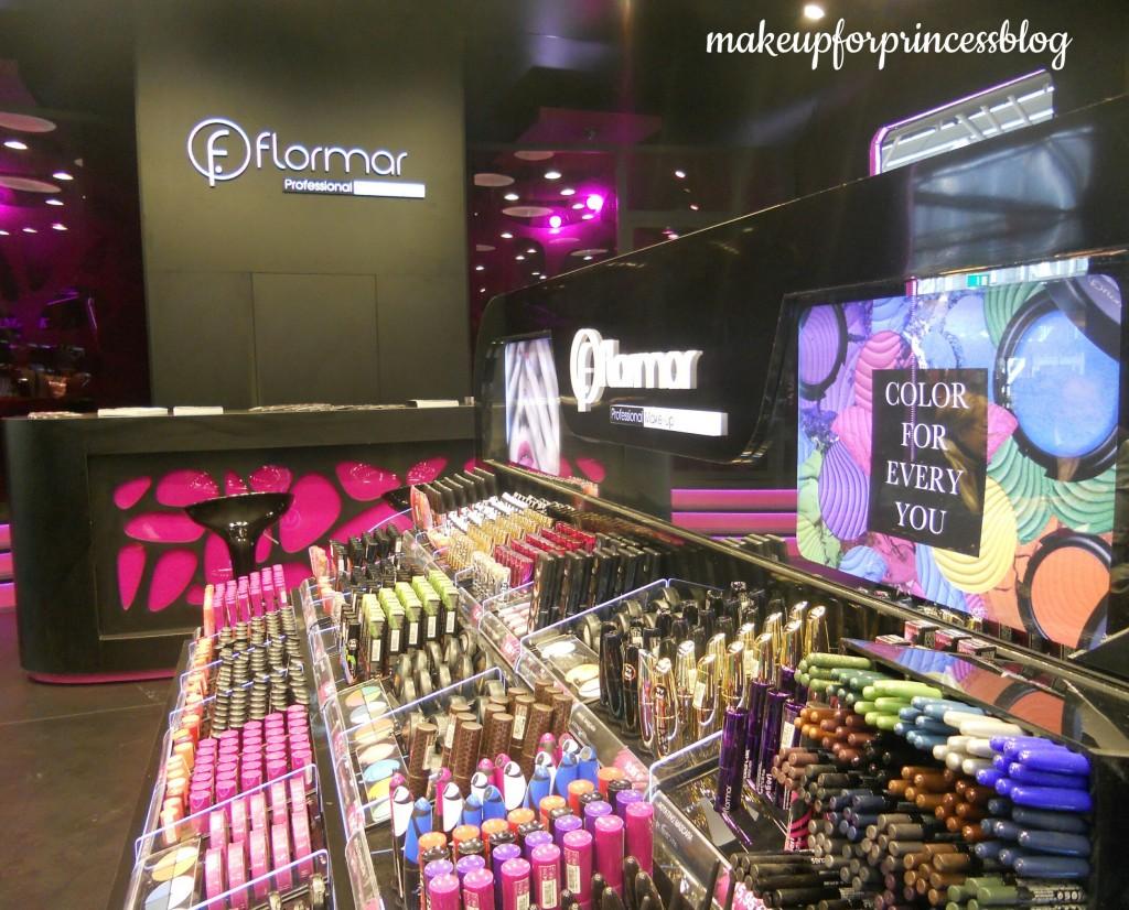 flormar makeup cosmoprof stand